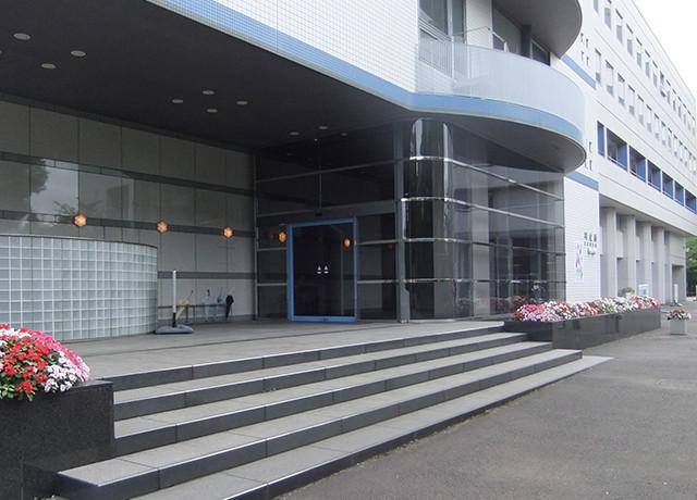 研究館外観